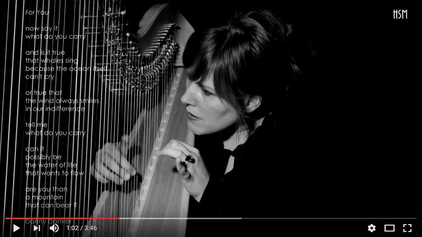 Harp impro waar later op wordt geïmproviseerd door een 2e musicus.