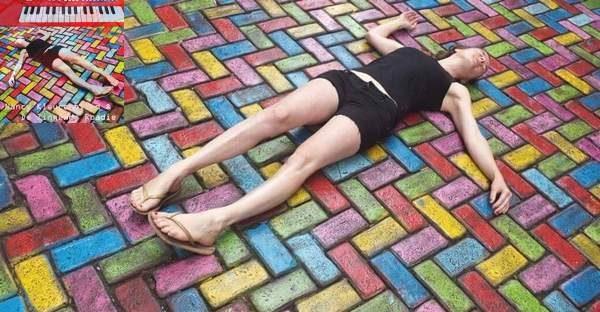 Nancy Kleurenblind en de Zingende Roadie - Mensentekening